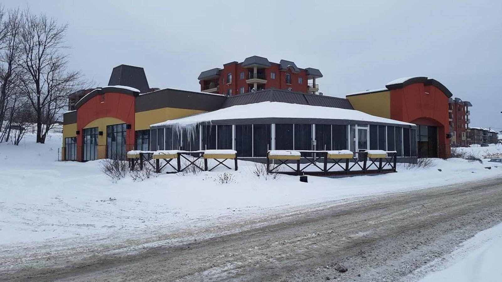 Le nouveau centre communautaire ouvrira ses portes dans l'ancienne Rôtisserie Saint-Hubert, du boulevard de l'Ormière.