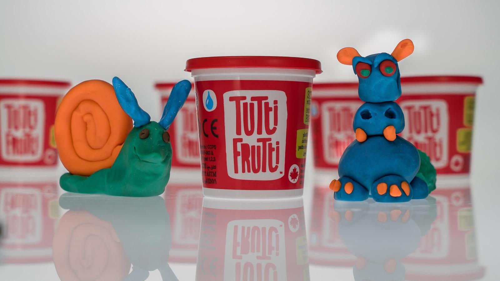 Animaux faits avec de la pâte à modeler Tutti Frutti