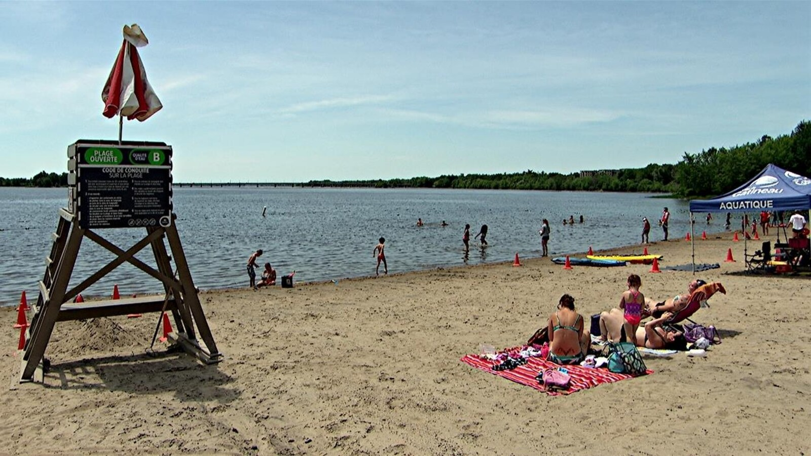 Heures prolongées pour les plages et certaines piscines de
