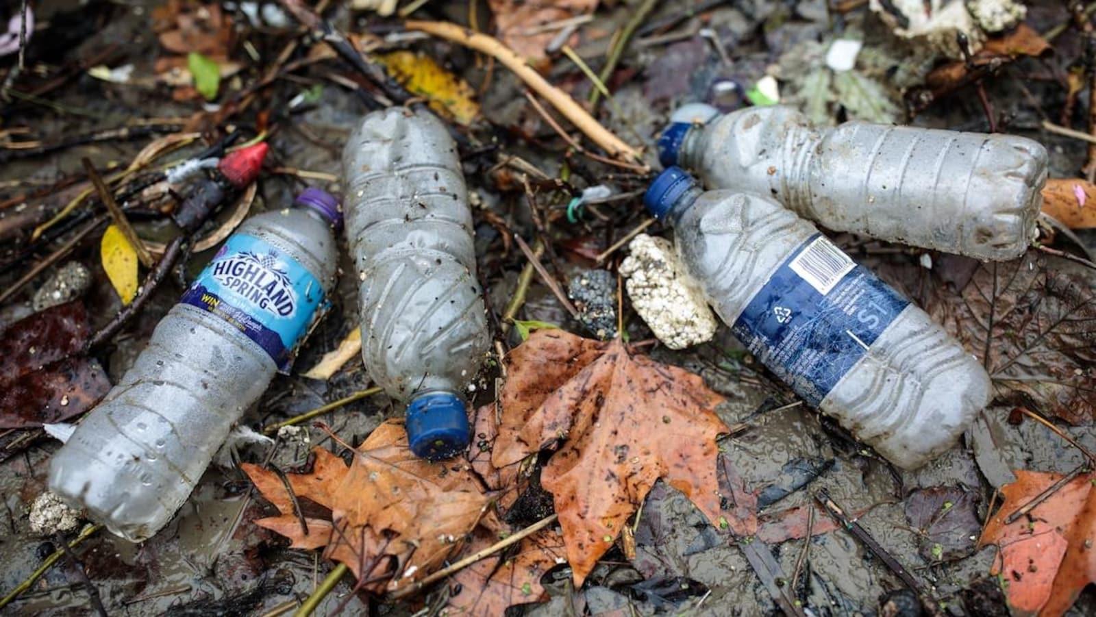 MétéoMédia - Les plastiques à usage unique, bientôt interdits au Canada