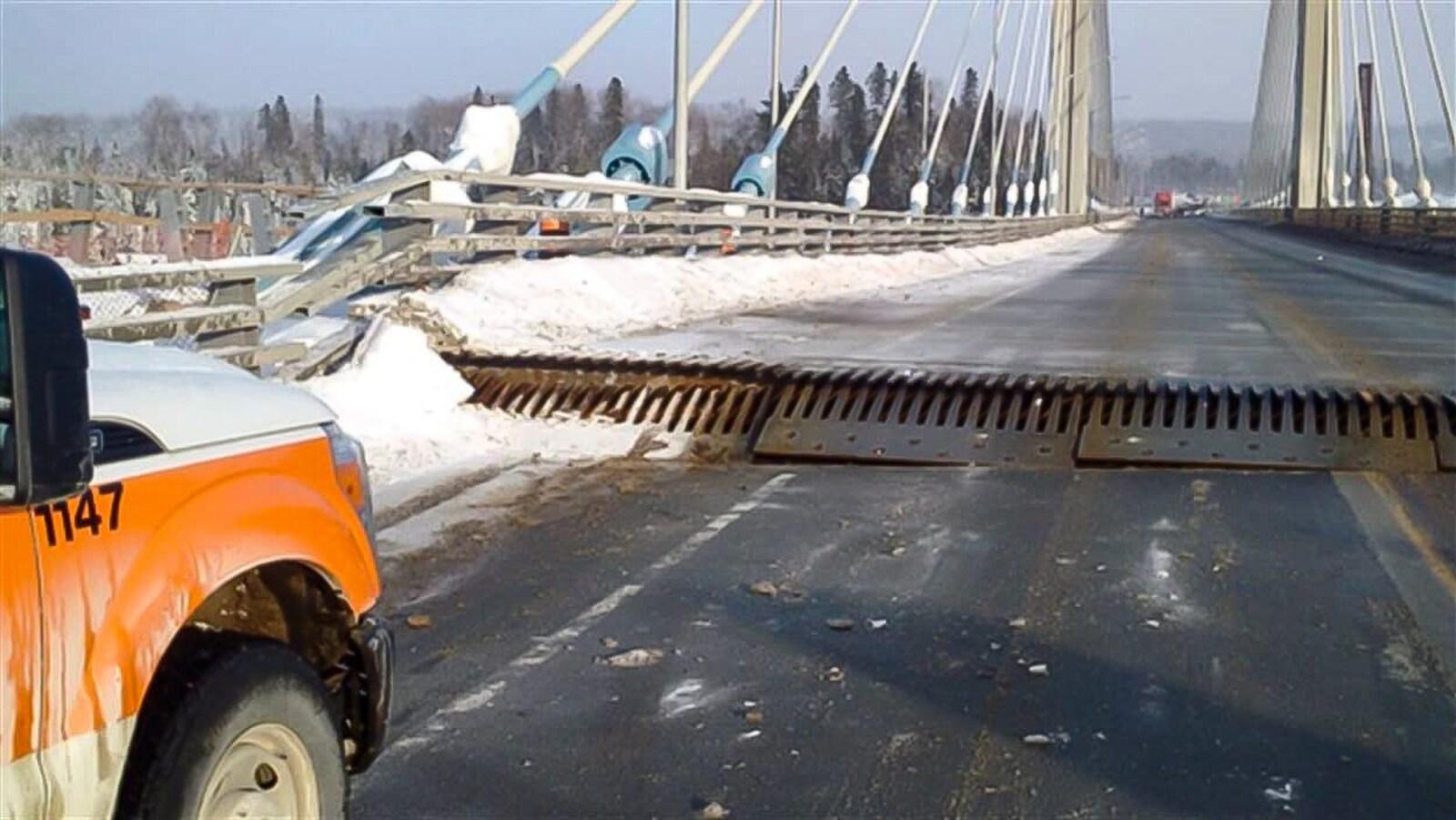 Le tablier s'était soulevé de 60 cm, dimanche le 10 janvier.