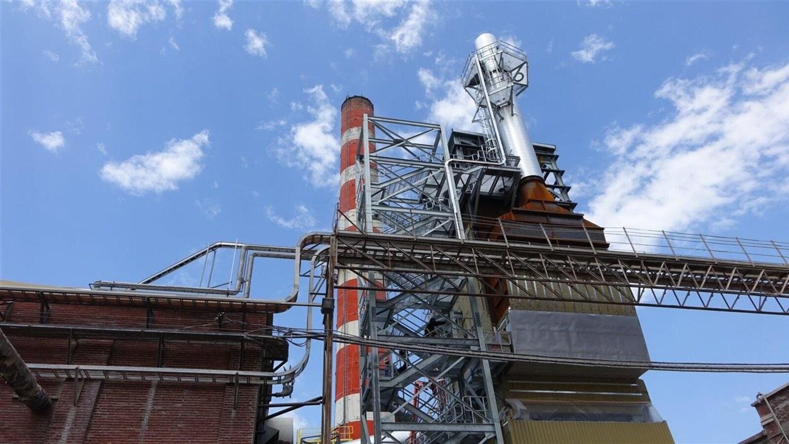 Le précipitateur électrostatique à l'usine Wayagamack de Kruger permet de réduire le rejet de particules fines dans l'air à Trois-Rivières.