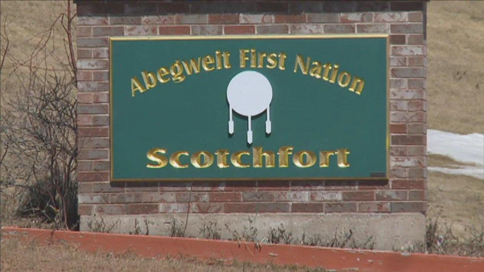 Affiche identifiant la réserve de Scotchfort.