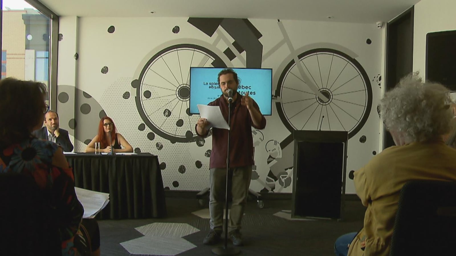 Prestation durant la conférence de presse du Festival Québec en toutes lettres