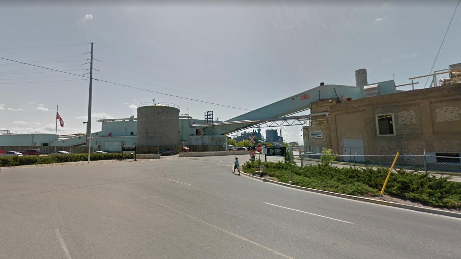L'usine de pâtes et papiers Résolu à Fort Frances.