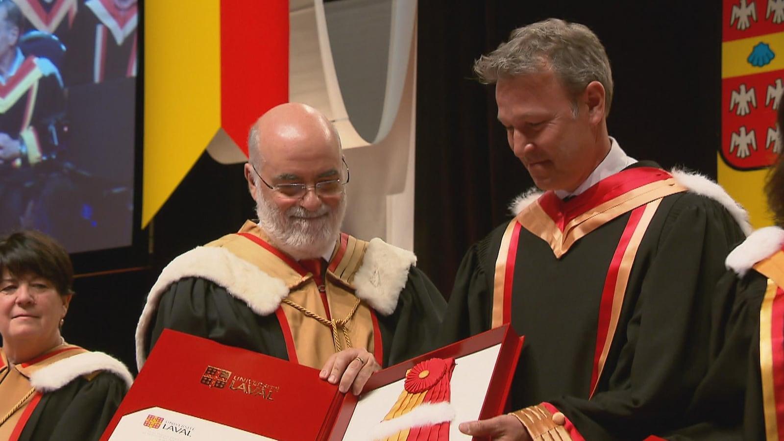 Ricardo Larrivée a été honoré par l'Université Laval.