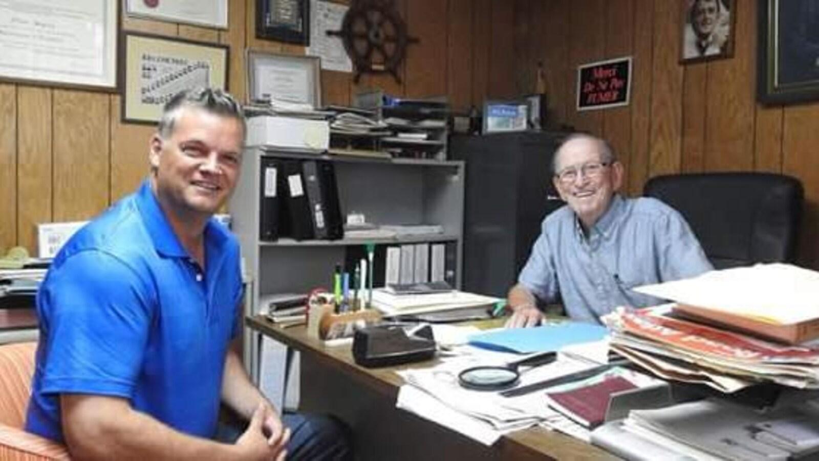 Alban Duguay, ancien organisateur politique progressiste-conservateur, reçoit la visite de Robert Gauvin