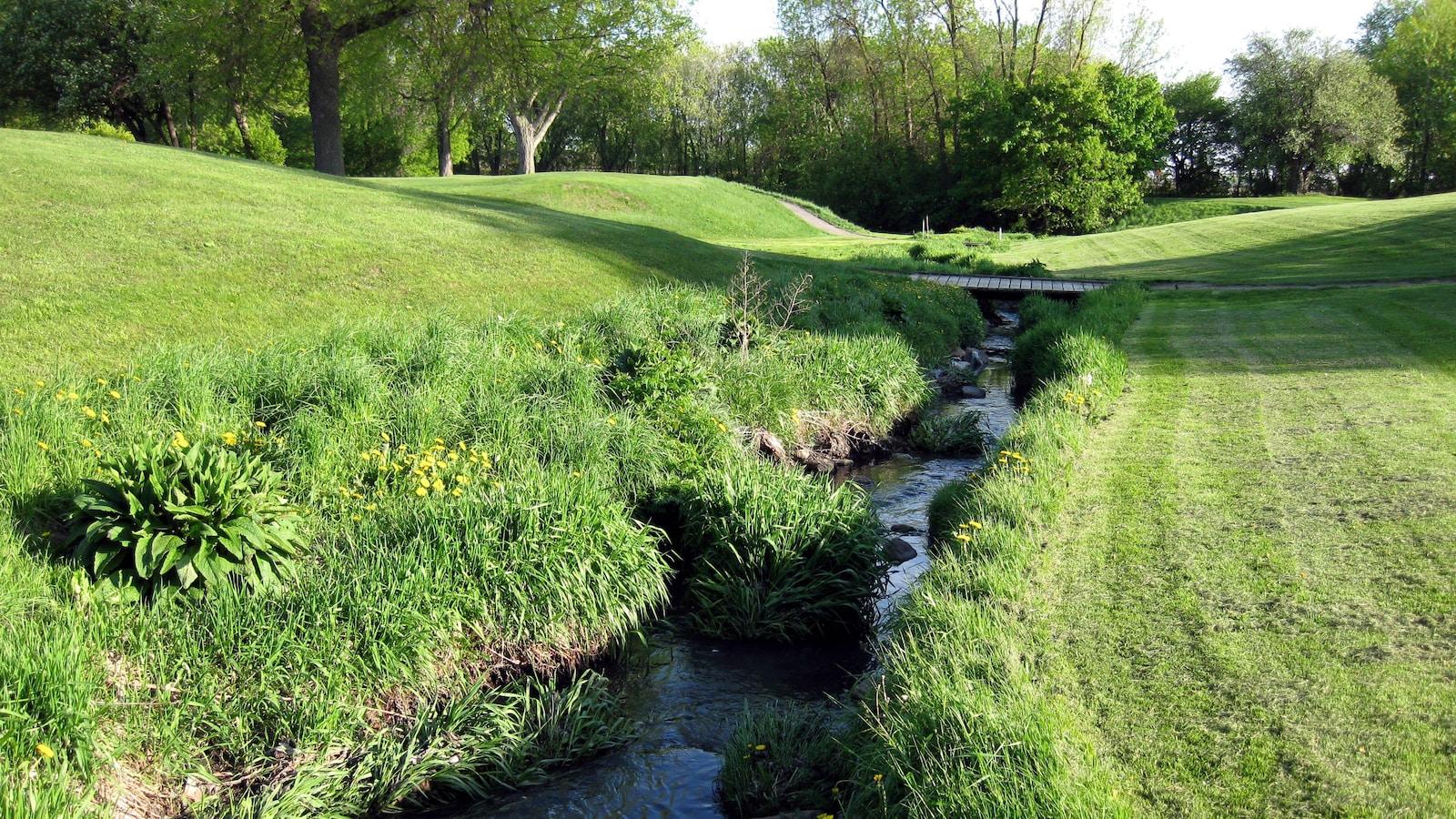 Ruisseau du Golf Meadowbrook dans l'ouest de Montréal