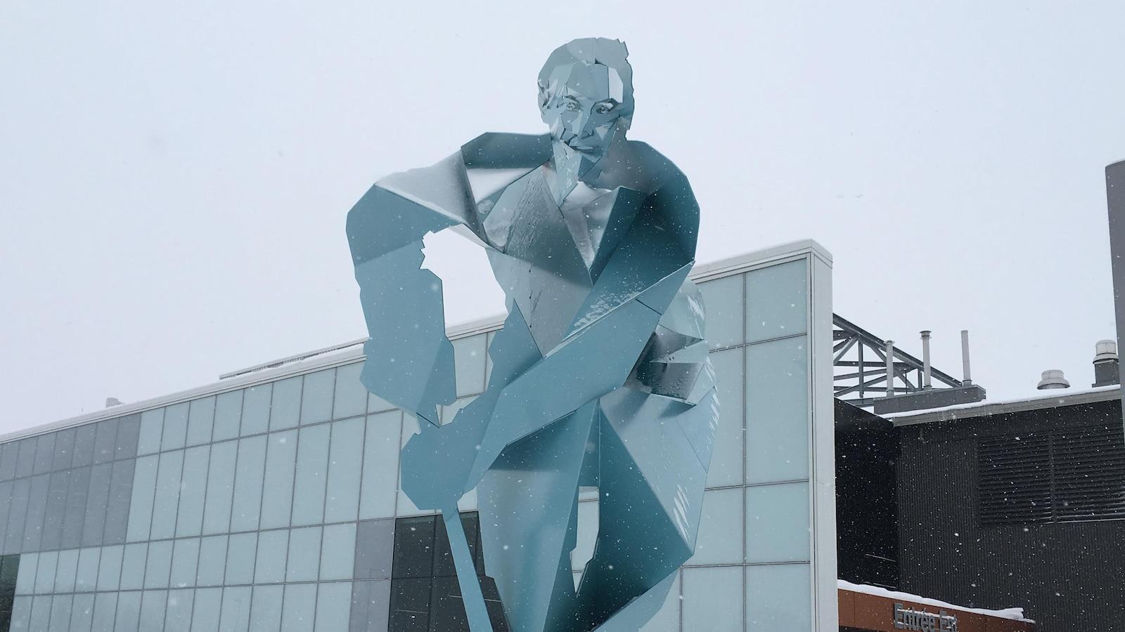 La statue de Jean Béliveau au Centre Vidéotron