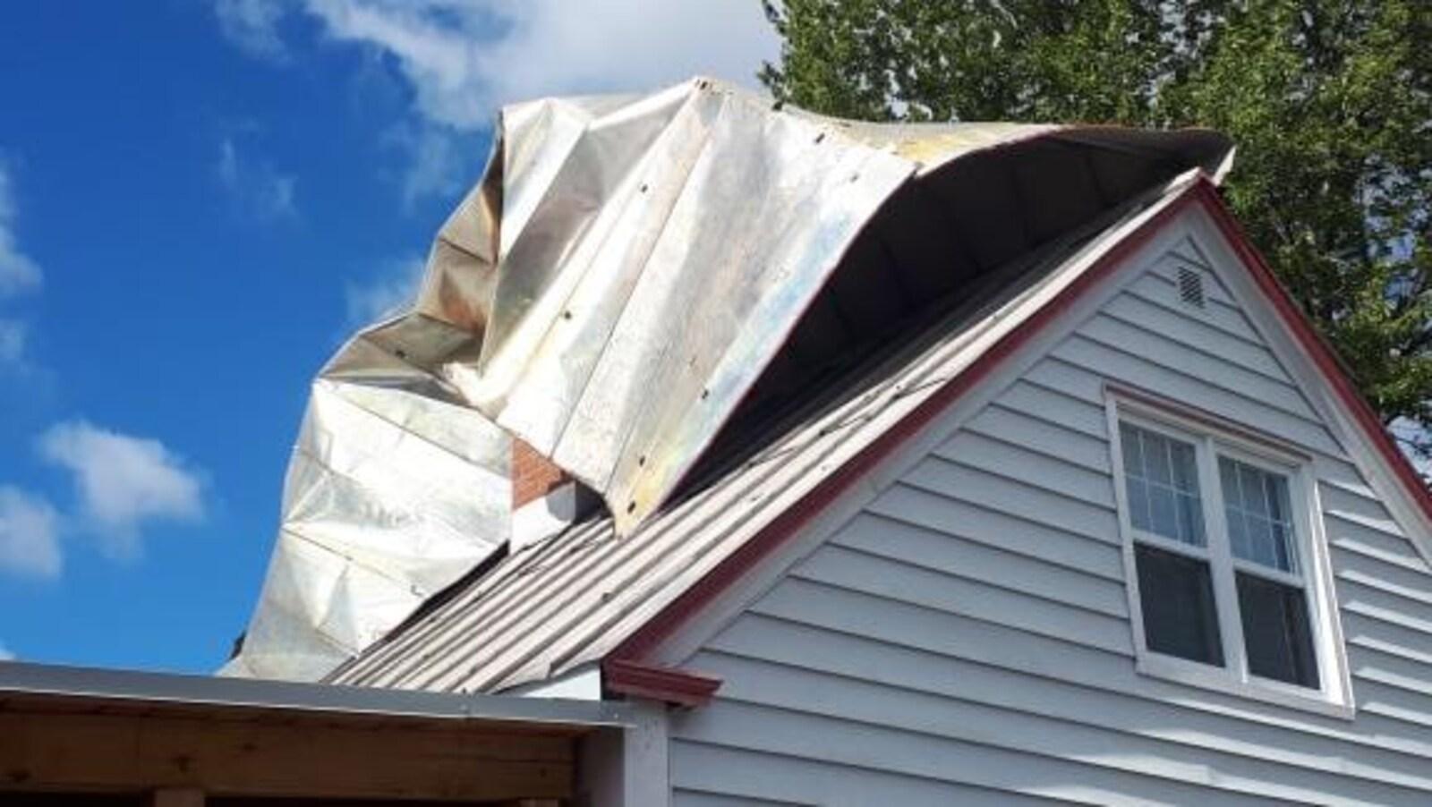 Une maison endommagée dans le secteur d'Arvida.
