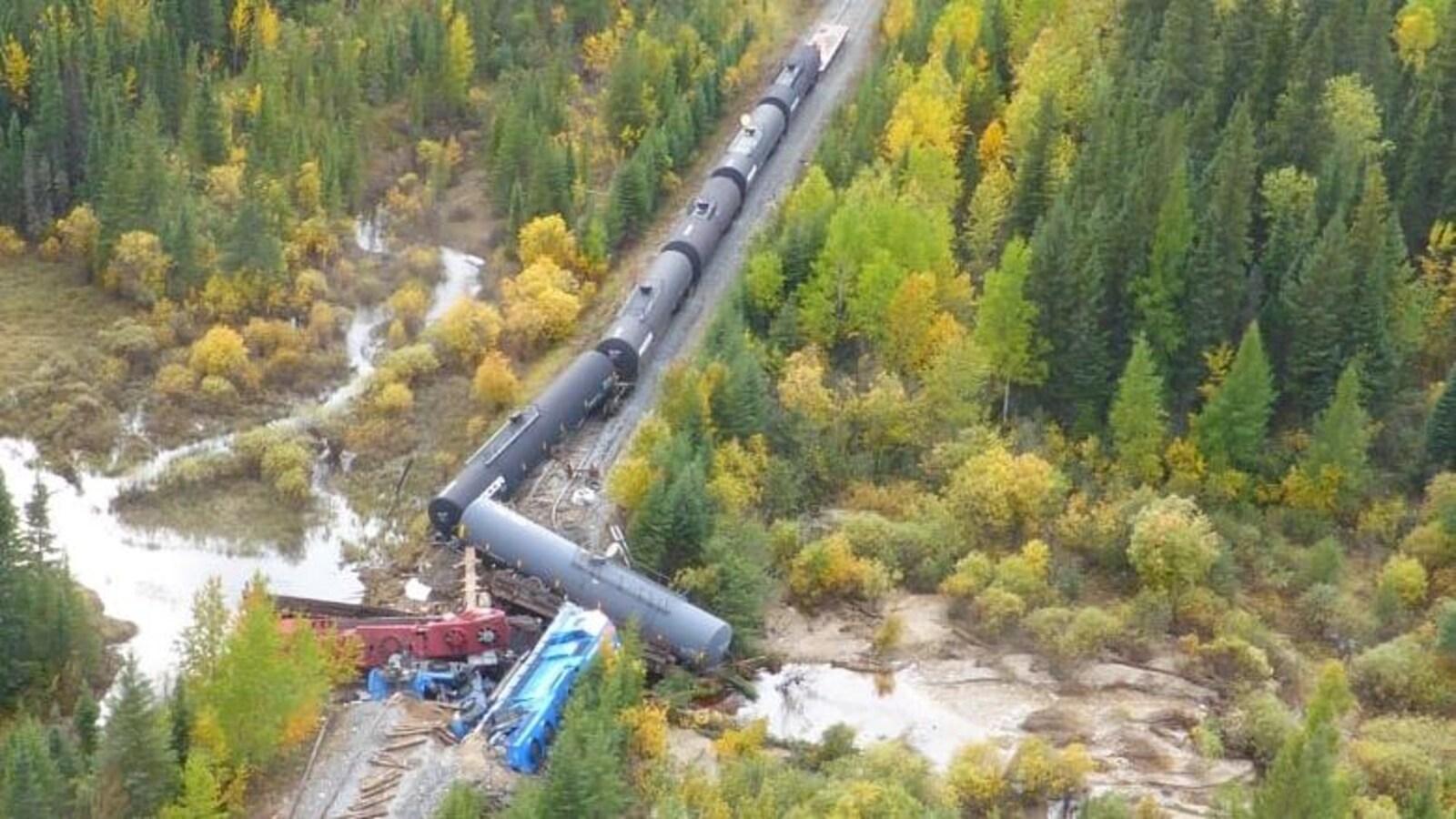 Le train qui a déraillé dans le nord du Manitoba
