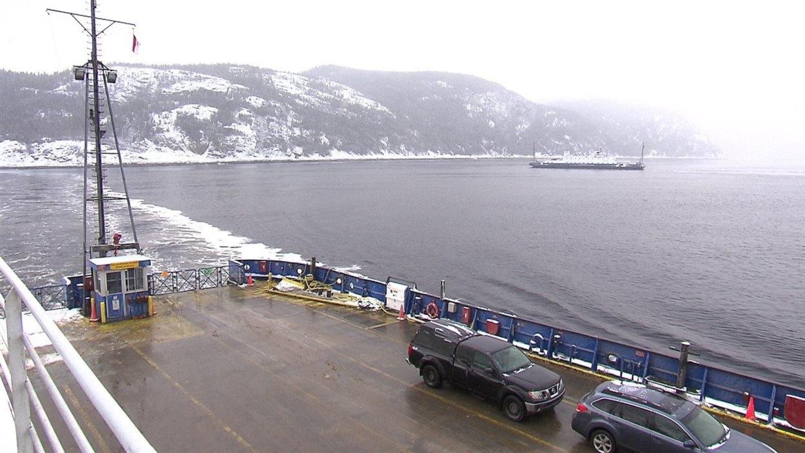 Le traversier sur le fjord entre Tadoussac et Baie-Sainte-Catherine.