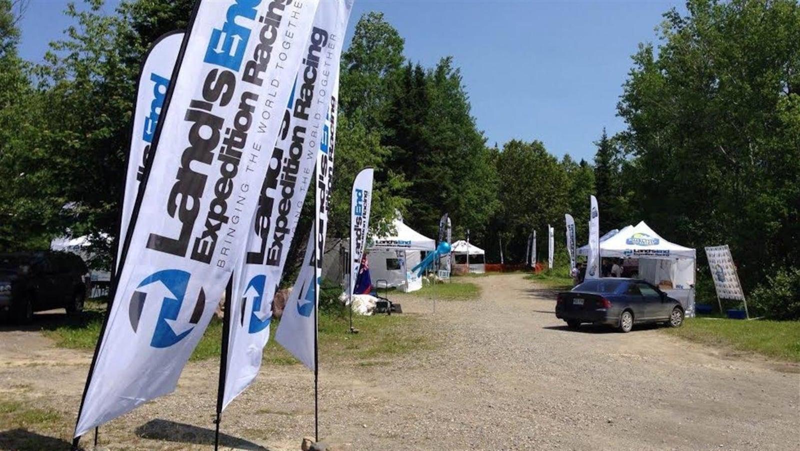 Kiosques et banderolles de l'Ultra Trail du mont Albert