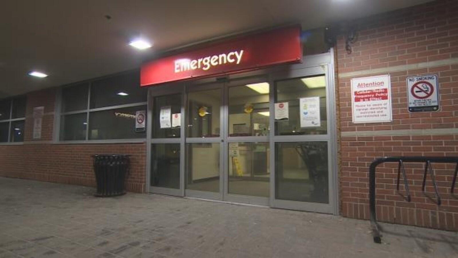L'entrée de l'urgence à l'hôpital Lakeridge Health d'Oshawa