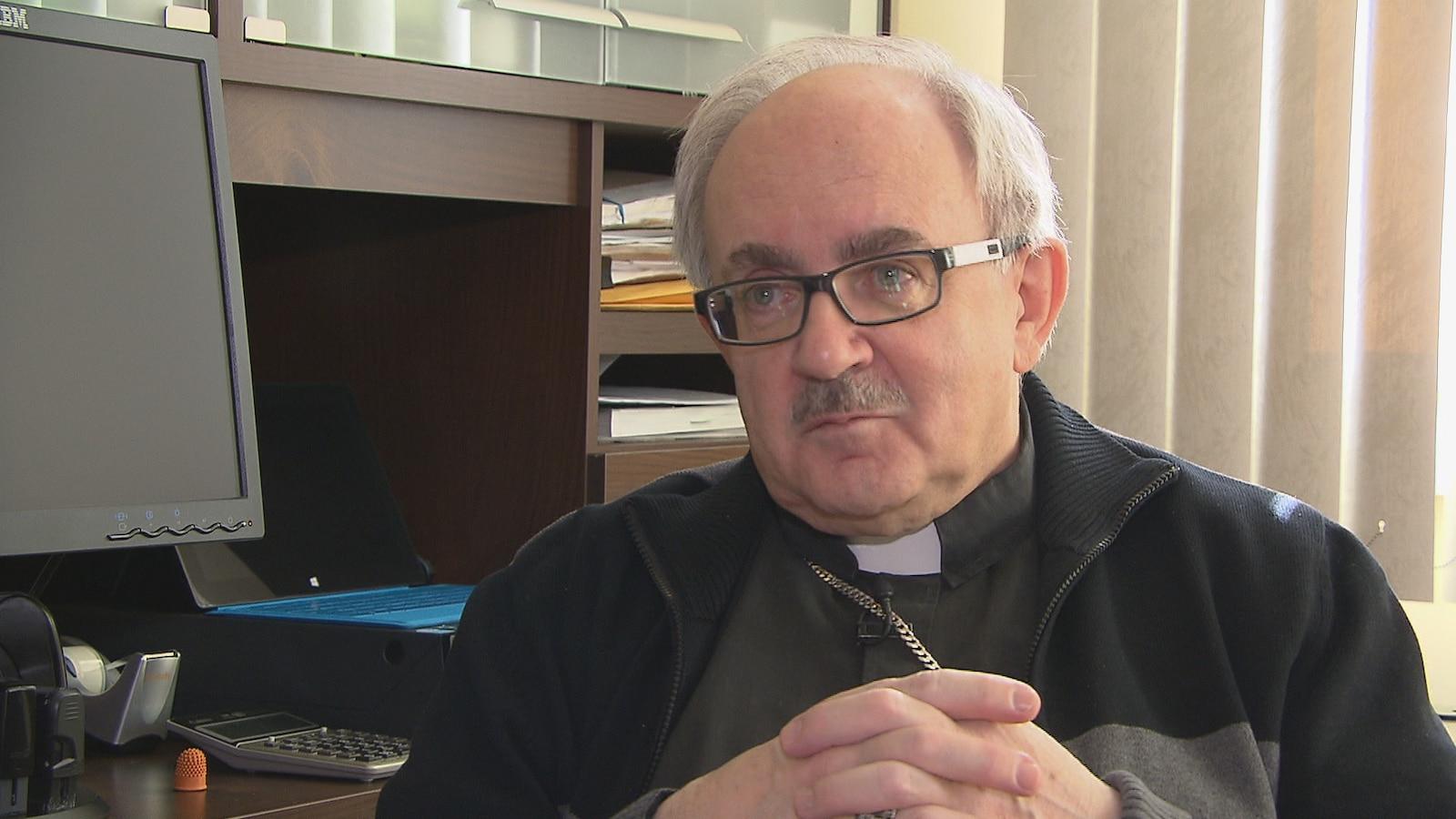 L'archevêque Valery Vienneau