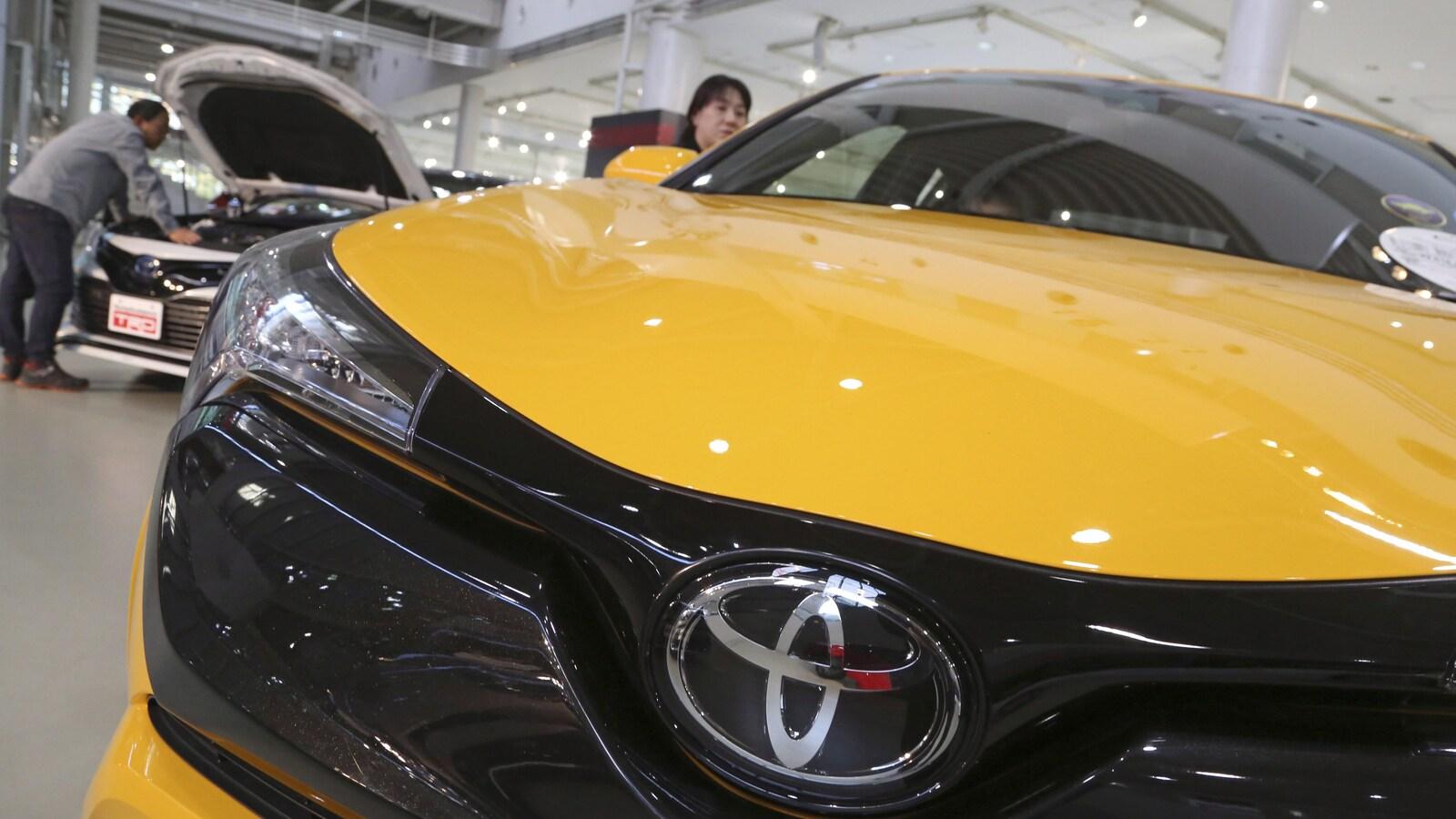 Une voiture Toyota en démonstration.