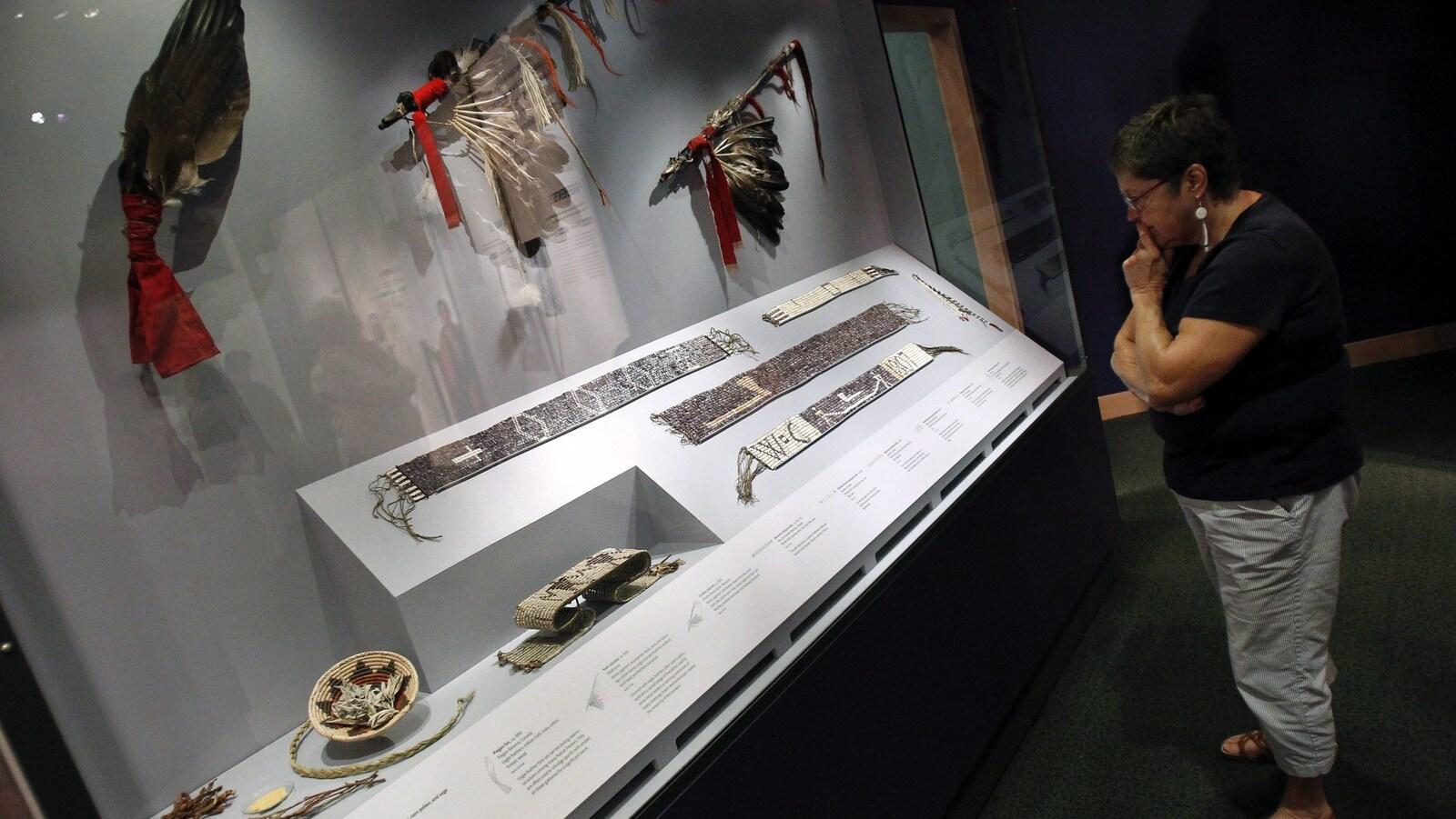 Tissage de coquillages de la collection du musée national des Indiens d'Amérique