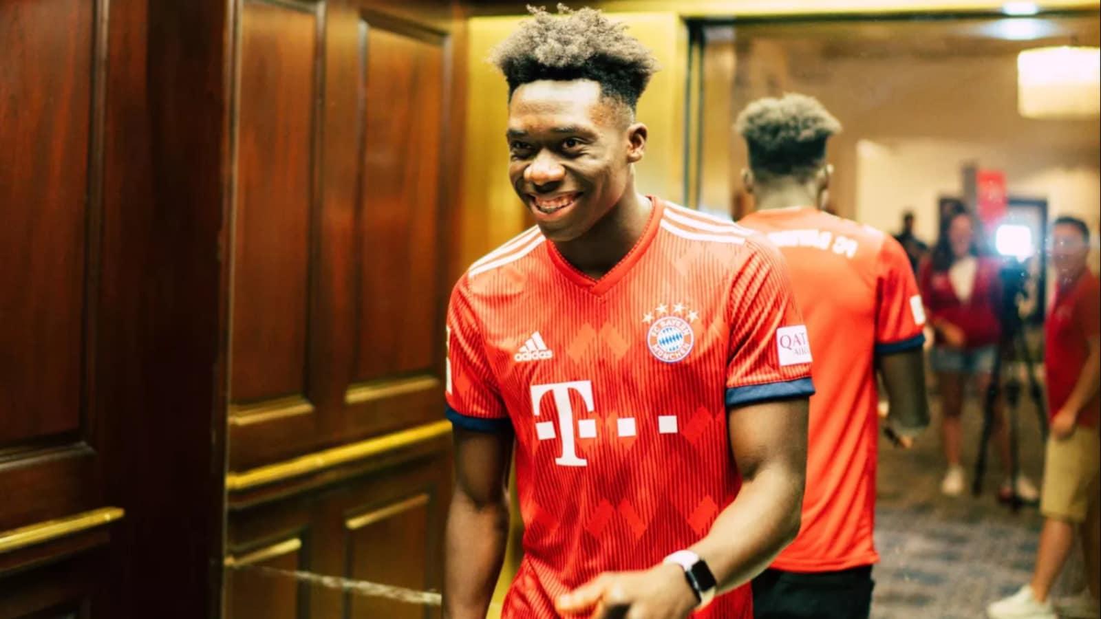 Alphonso Davies, dans l'uniforme du Bayern Munich