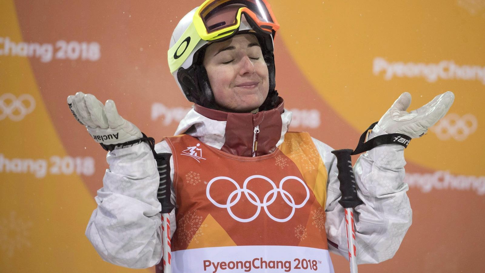 La Canadienne Andi Naude à l'épreuve des bosses aux Jeux olympiques de Pyeongchang, en Corée.