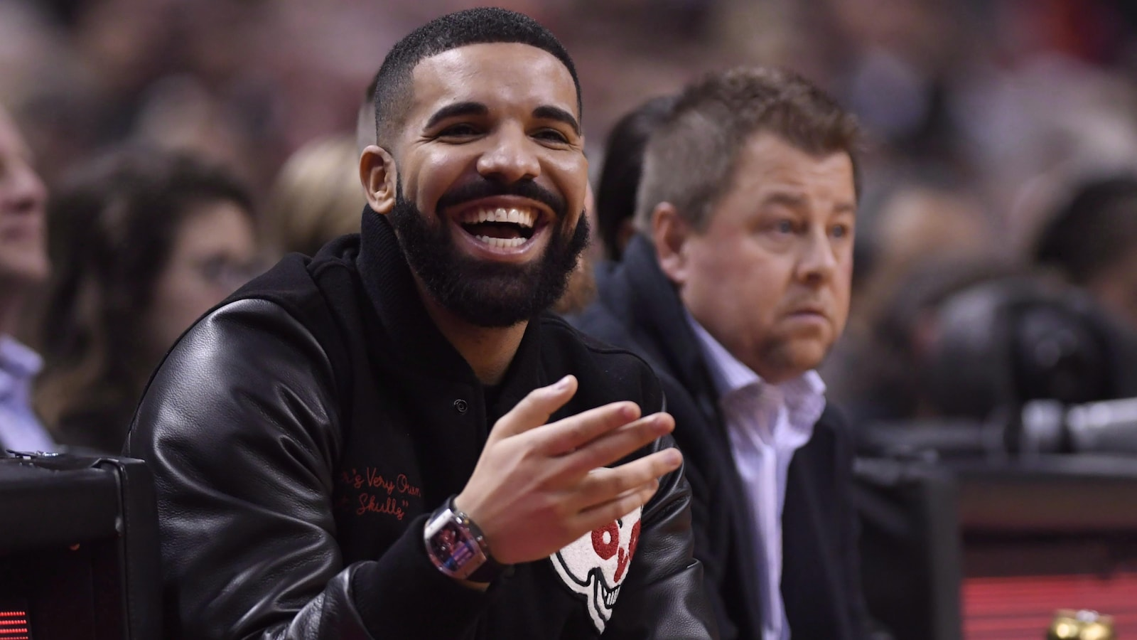 Drake photographié à un match des Raptors en novembre dernier.