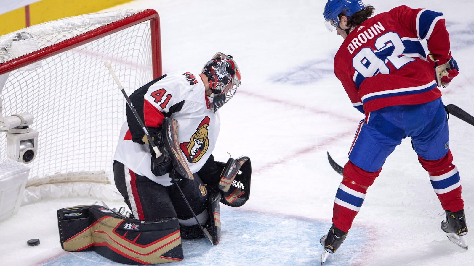 Jonathan Drouin déjoue Craig Anderson en première période de la victoire du Canadien contre les Sénateurs.