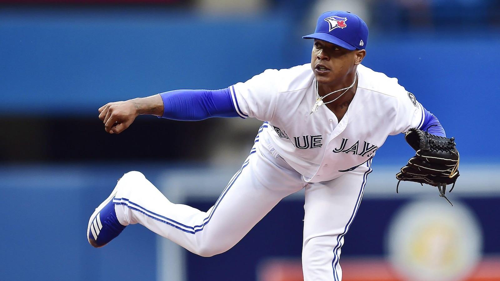 Le lanceur partant Marcus Stroman en action dans un match entre les Blue Jays et les Orioles de Baltimore à Toronto