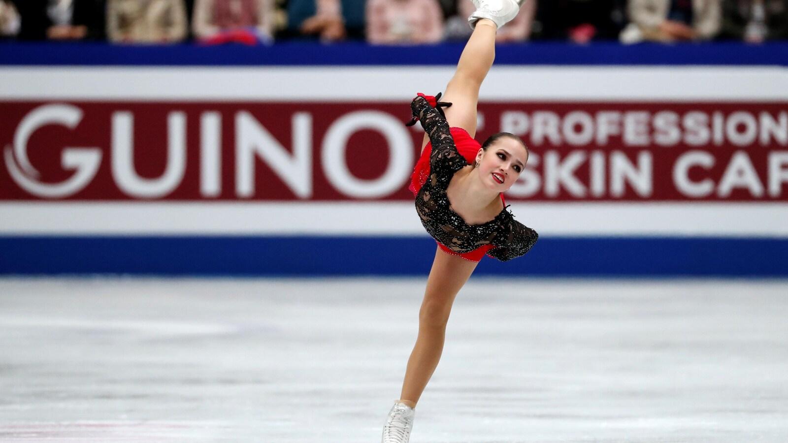 La Russe Alina Zagitova en action au programme libre des mondiaux 2019 de Saitama, au Japon