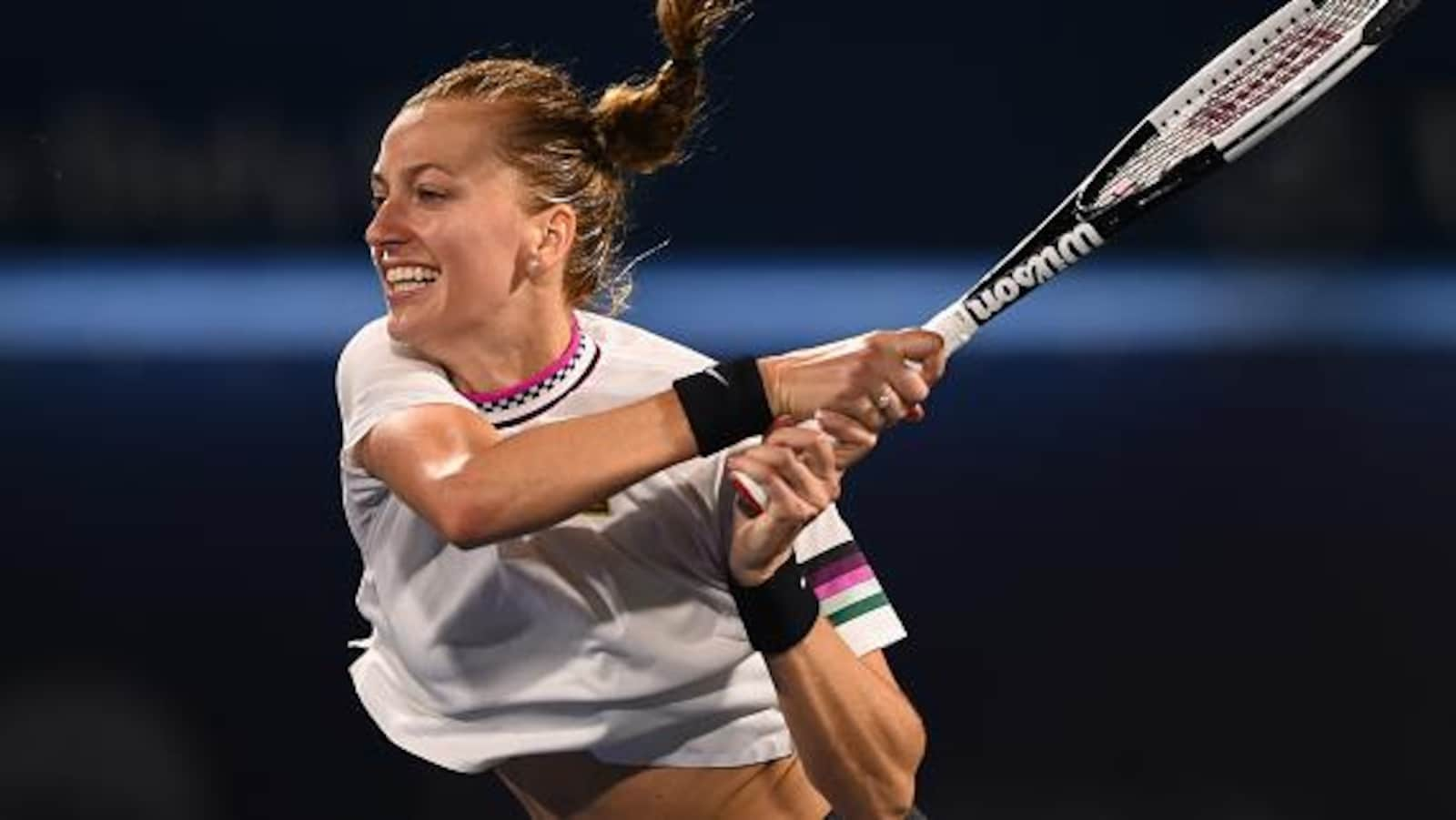 Petra Kvitova frappe un revers en demi-finales contre la Taïwanaise Hsieh Su-wei.