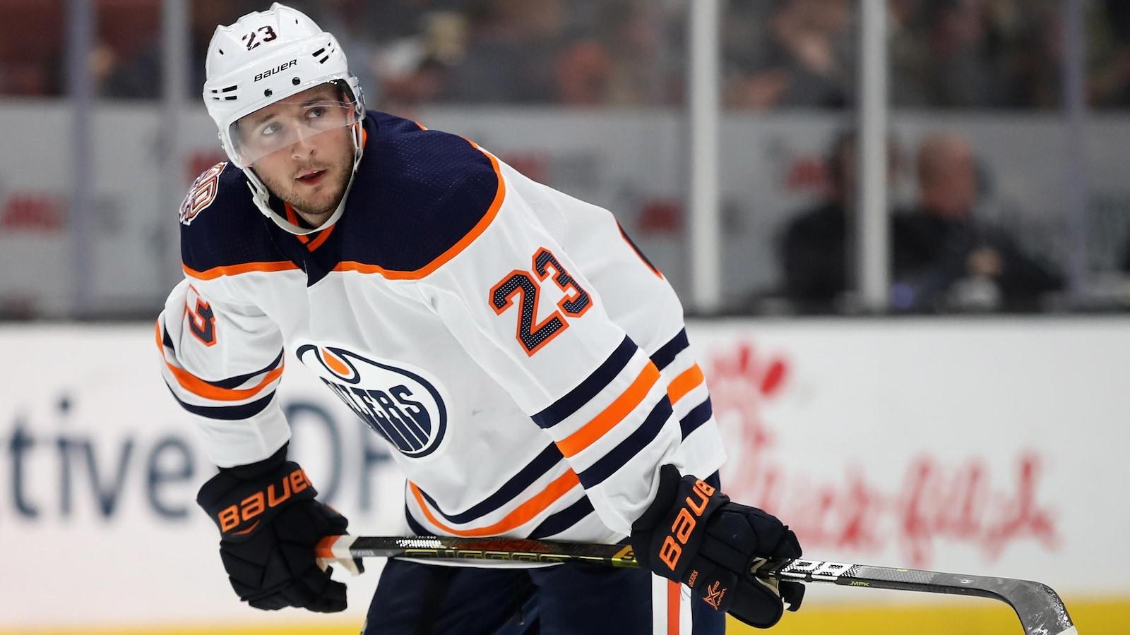 Ryan Spooner dans l'uniforme des Oilers d'Edmonton