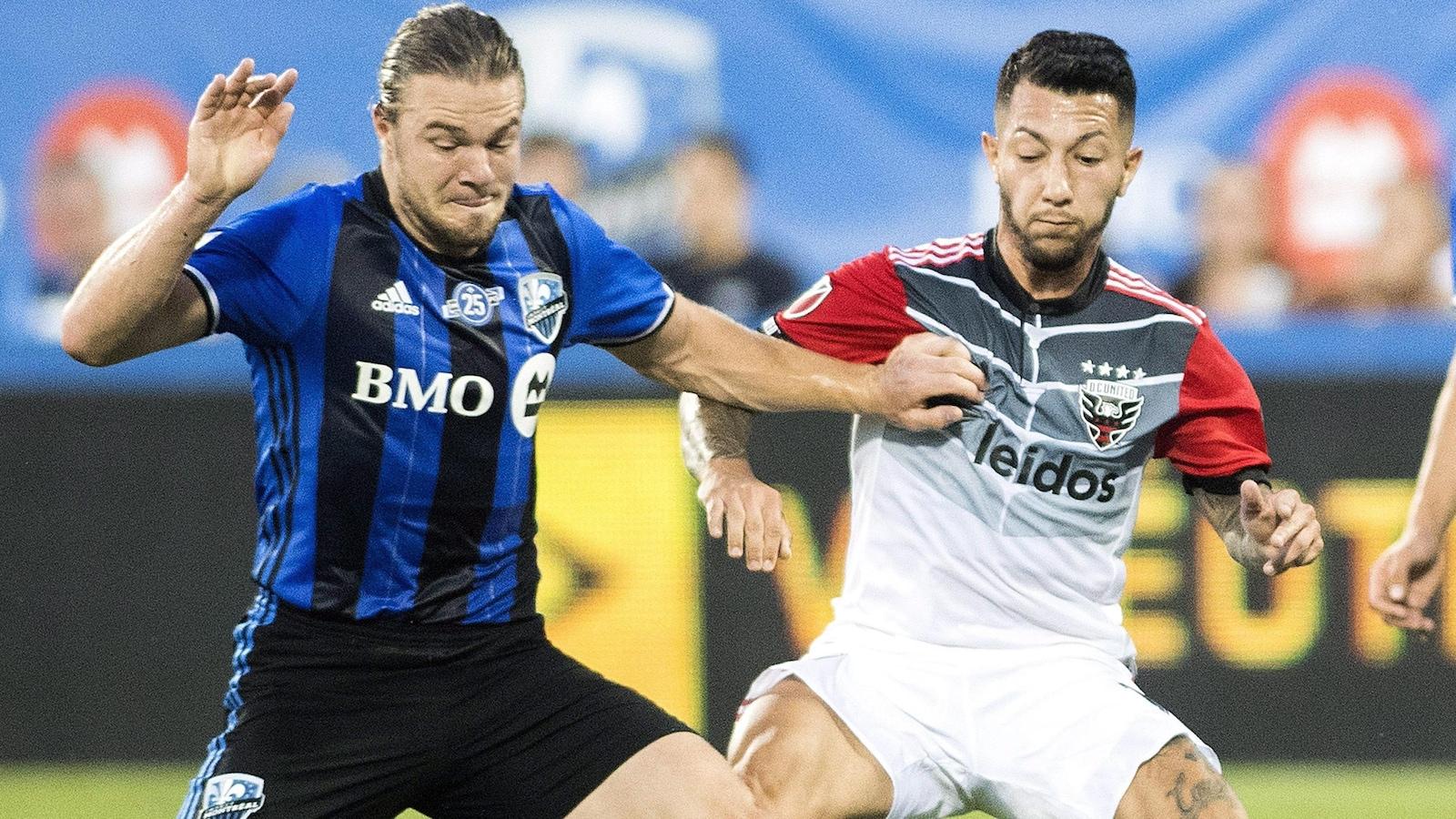 Un duel musclé entre Samuel Piette et Luciano Acosta du D.C. United