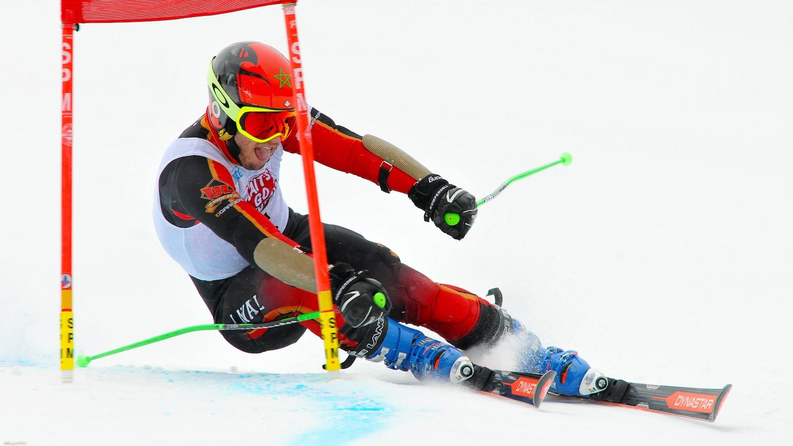 Le skieur Adam Lamhamedi du Rouge et Or de l'Université Laval