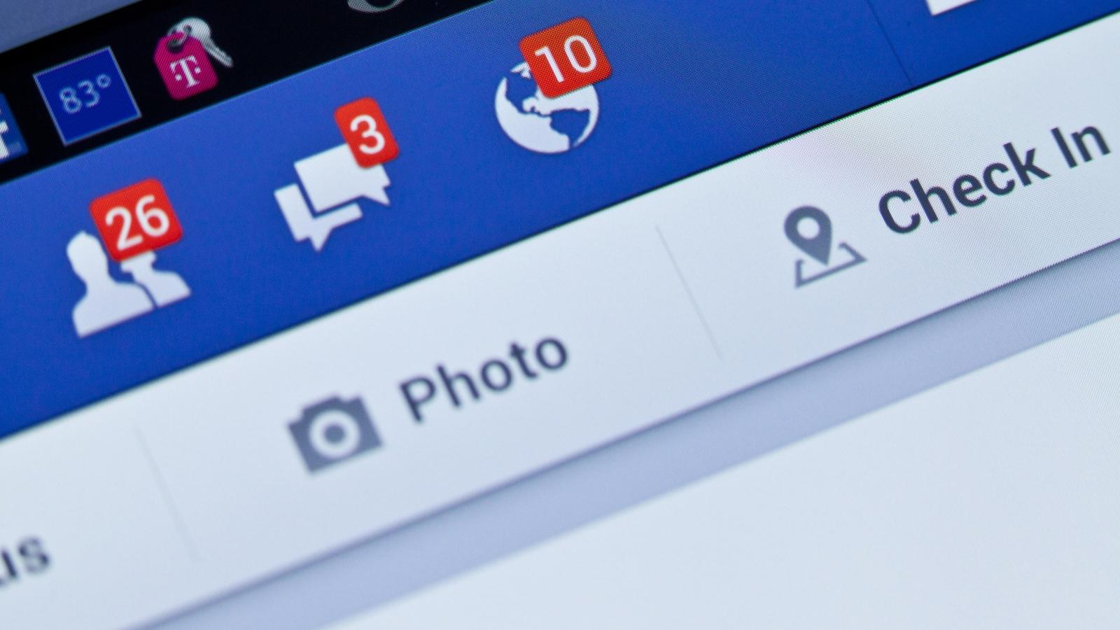 Des notifications apparaissent sur la page Facebook d'un utilisateur.