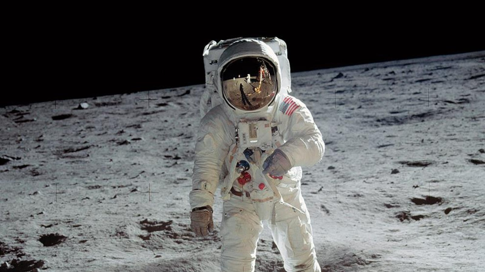 Buzz Aldrin et Michael Collins reçus dans le bureau Ovale