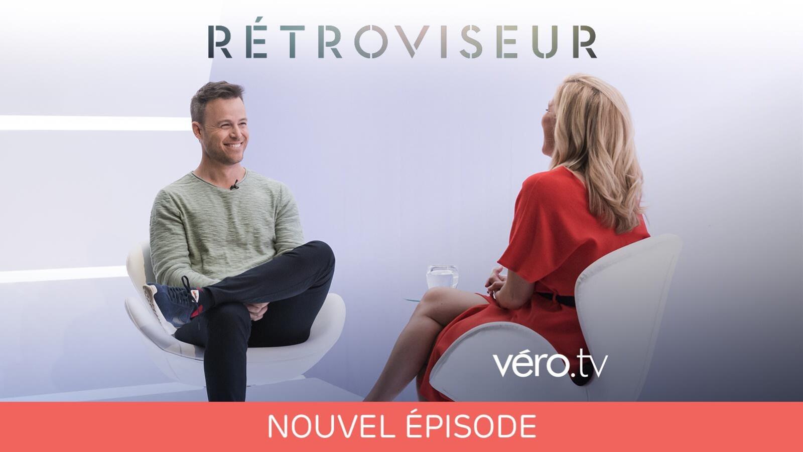 Louis Morissette face à Véronique Cloutier sur le plateau de l'émission Rétroviseur