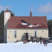 Une église en hiver.