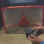 Un but de hockey qui peut bouger grâce à une télécommande.
