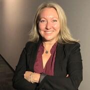 Mona Fortier dans la station de Radio-Canada Ottawa-Gatineau.
