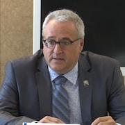 Pierre Dufour parle durant un point de presse.