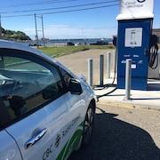 Borne de recharge rapide à Mont-Louis, en Gaspésie.