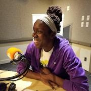 Stella Isaac, étudiante en entrevue à Radio-Canada à Toronto