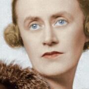Une partie de la page couverture de <i>Thérèse Casgrain: la gauchiste en collier de perles</i>