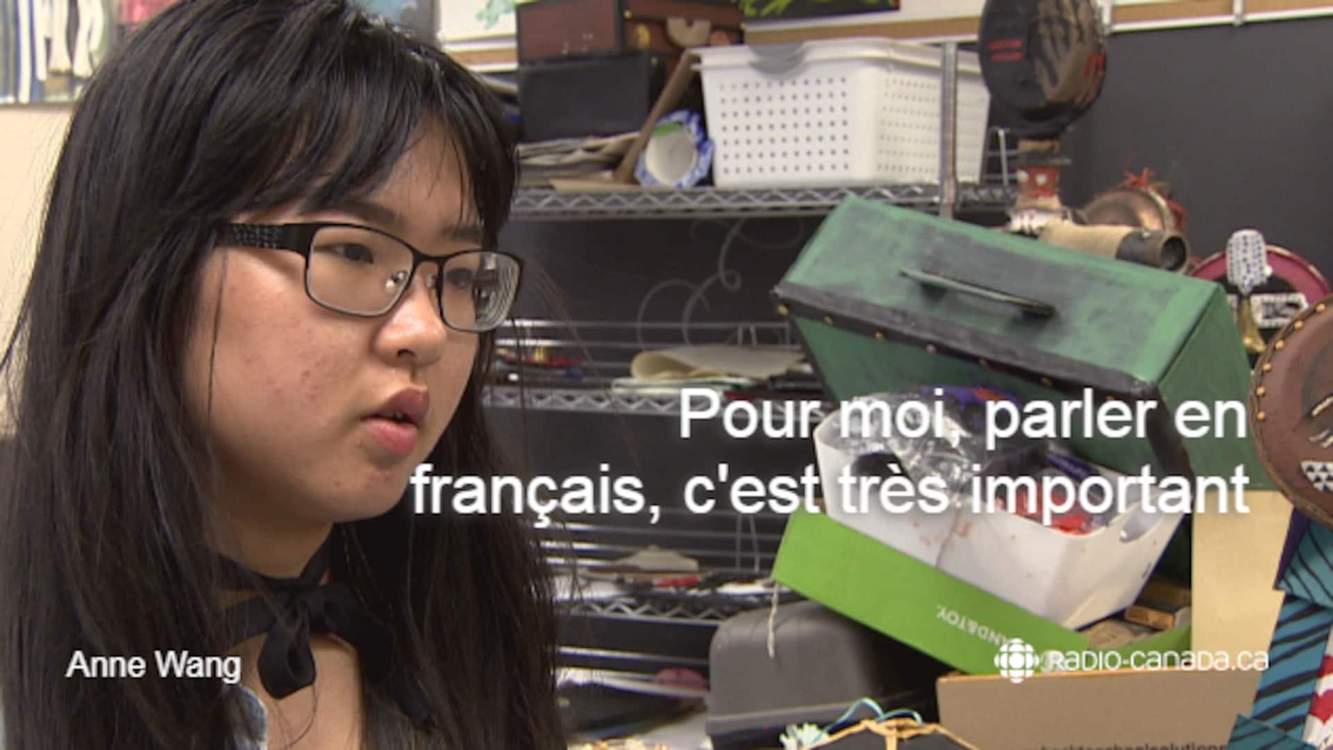 Photo de l'élèves Anne Wang avec la citation suivante: 'Pour moi, parler en français, c'est très important.'
