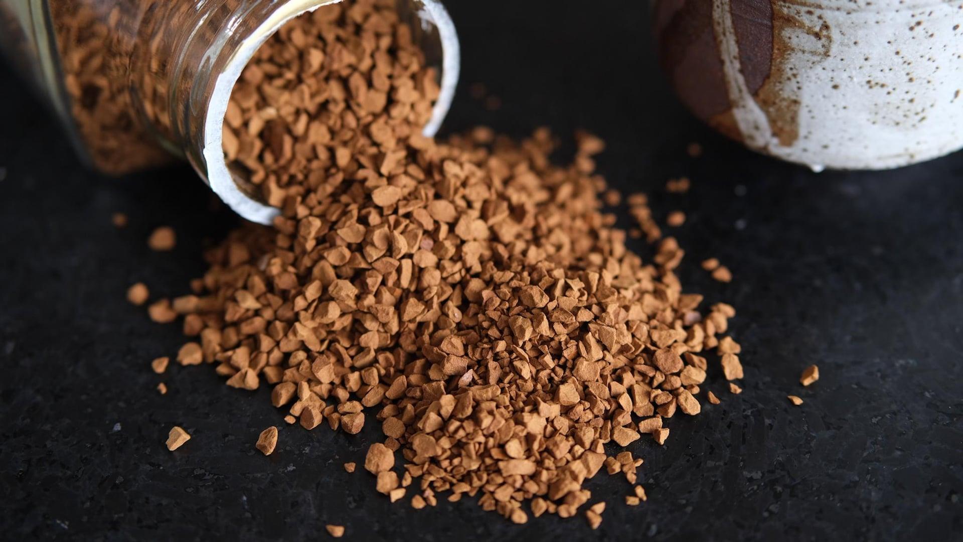 Le café instantané est à la base du café dalgona.