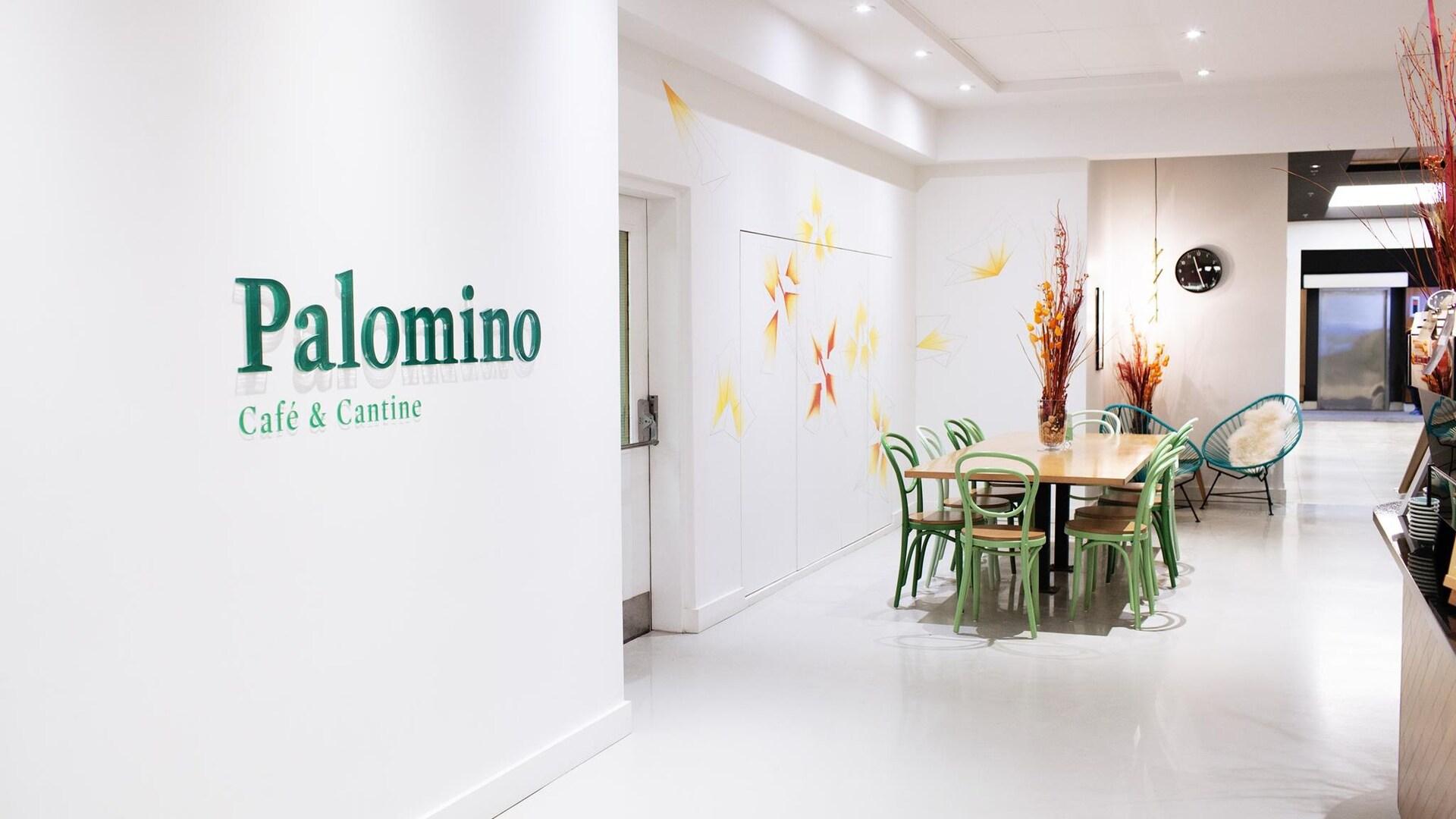 Le Palomino Café & cantine est situé dans l'édifice Delta à Sainte-Foy.