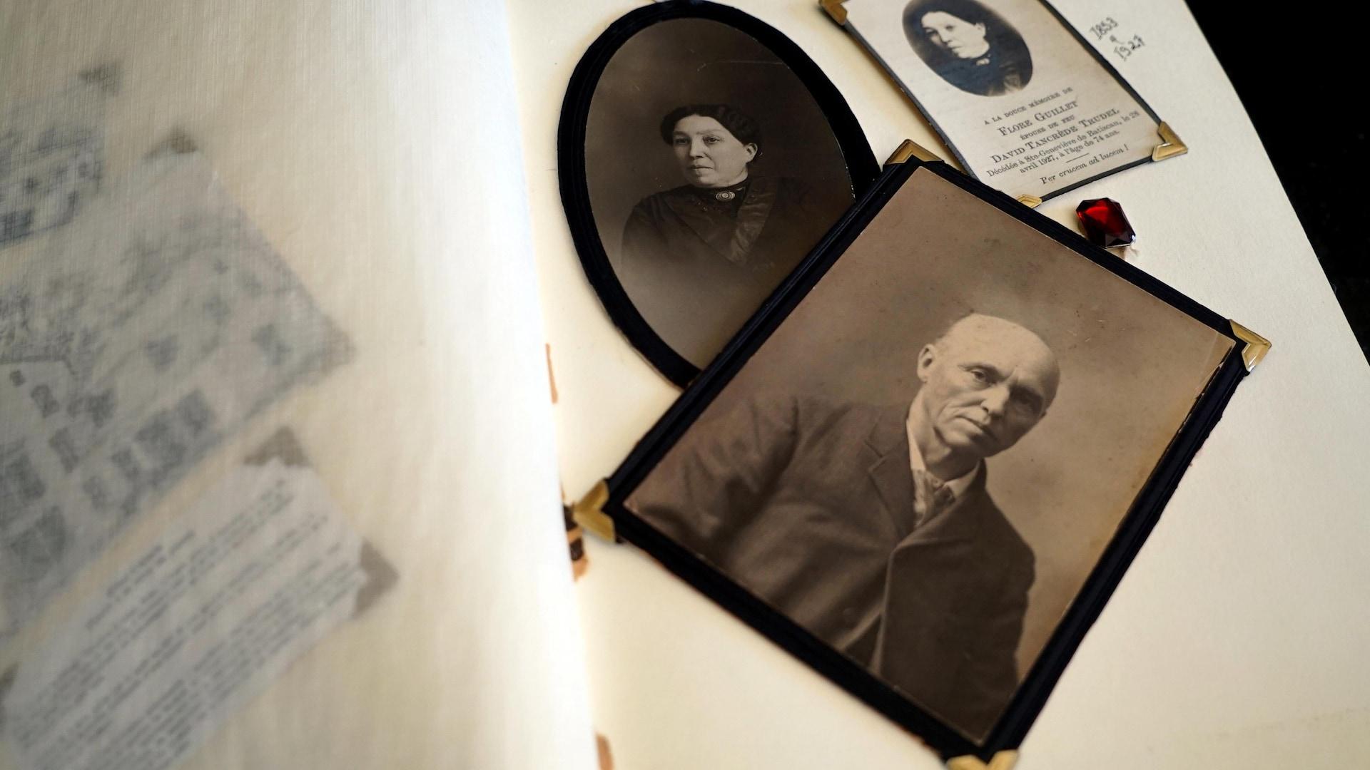 Lynda Clément conserve précieusement les souvenirs de l'époque du notaire.