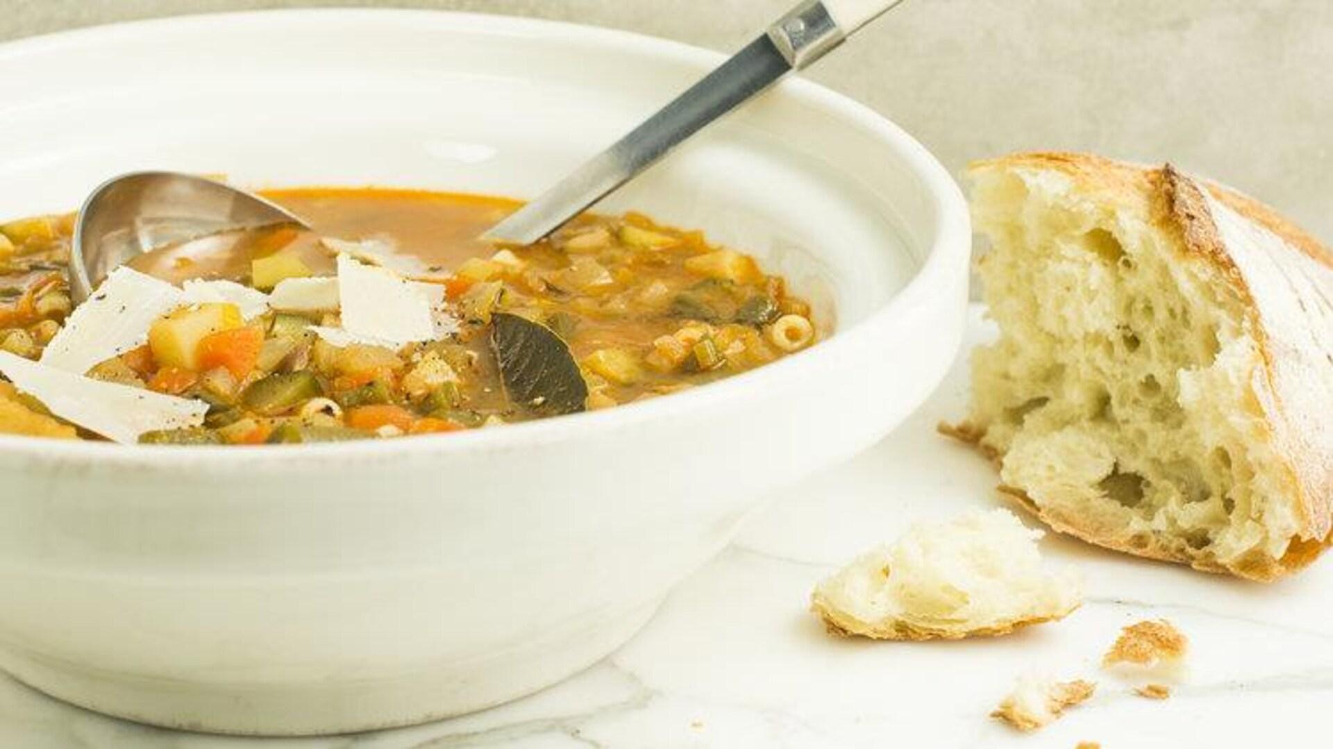 À la soupe» de Josée di Stasio : des recettes réfléchies