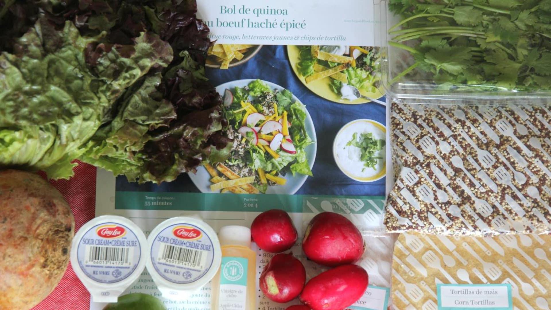 Les ingrédients réunis pour la recette de bol de quinoa au bœuf haché épicé de Marché Goodfood