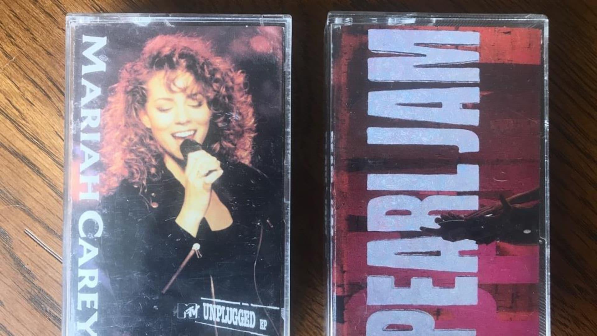 Deux cassettes de Mariah Carey et Pearl Jam