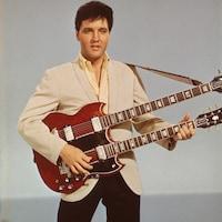 Elvis Presley à la guitare