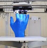 Impression d'une main en 3D.